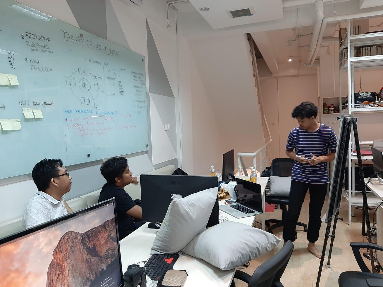 Kolaborasi Talkabot.ID x Pinterusaha.ai: Pengembangan platform bisnis terintegrasi untuk kemajuan UMKM Indonesia